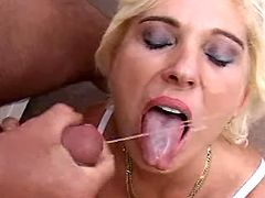 Mom nailed doggy style and gets cum