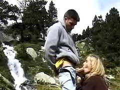 Tourists have oral fun in mountains