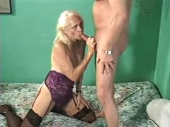 Mature gets some pounding