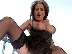 Mature whore gets facial
