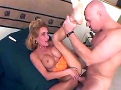 Hot milf fucks brains out